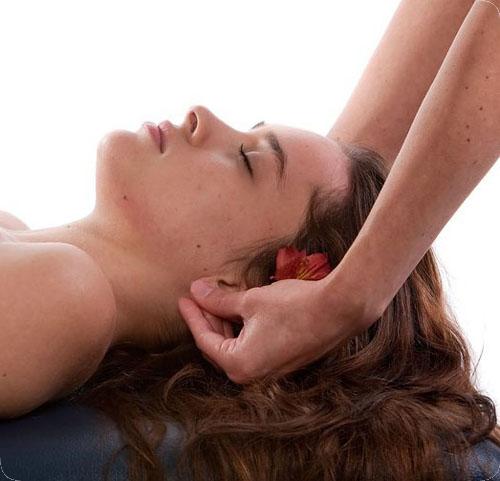 Evde kulak masajı nasıl yapılır