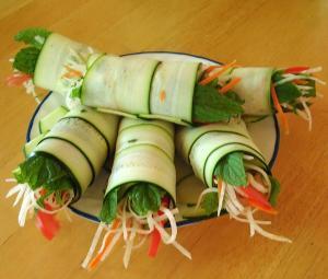 3851_raw-spring-rolls
