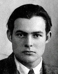 4228_200px-ernest_hemingway_1923_passport_photo.tif