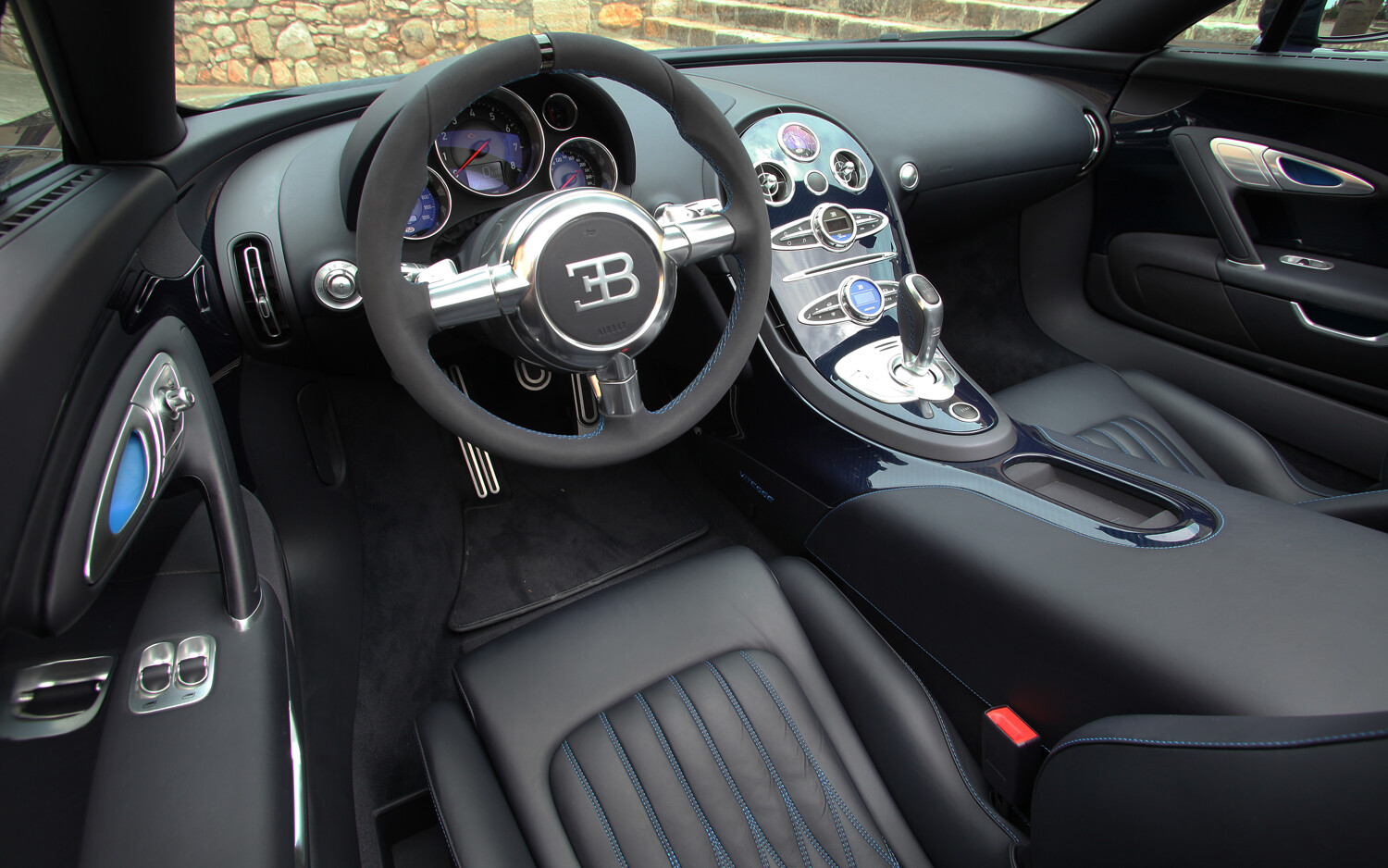 2013 bugatti veyron grand sport vitesse bilgiustam. Black Bedroom Furniture Sets. Home Design Ideas