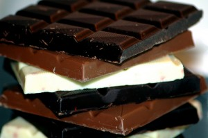 4790_chocolate_7-foods-that-make-you-happy