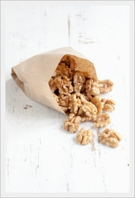5074_bag-with-walnuts