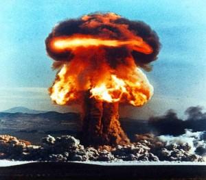 5205_atom-bombasi