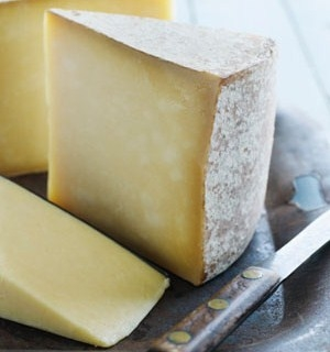 5770_mature-cheddar-cheese