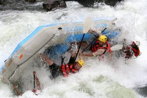 6662_rafting