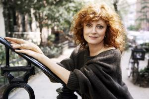 067-susan-sarandon-theredlist