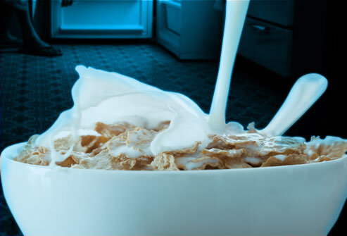 6824_getty_rf_photo_of_milk_and_cereal