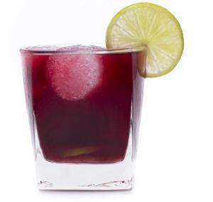 7797_600-511619551-lemon-cranberry-juice