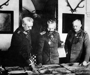 German General Headquarters, General von Hindenburg, Kaiser Wilhelm, General Ludendorff, January 1917.  German Official.  (War Dept.) Exact Date Shot Unknown NARA FILE #:  165-GB-1000 WAR & CONFLICT BOOK #:  491