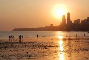 8392_450-137423602-chowpatty-beach