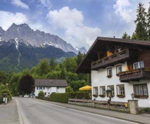 8400_450-508378541-germany-mountain
