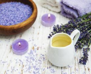 8479_450-87773363-lavender-candles