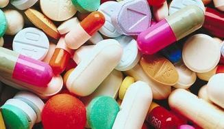 Antikolinerjiklerin Potansiyel Yan Etkileri, Etkileşimleri ve Riskleri