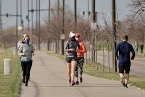 Should You Wear a Face Mask When Running Outside?