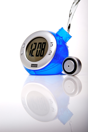 bedol-eco-water-powered-clock-blue-low-res